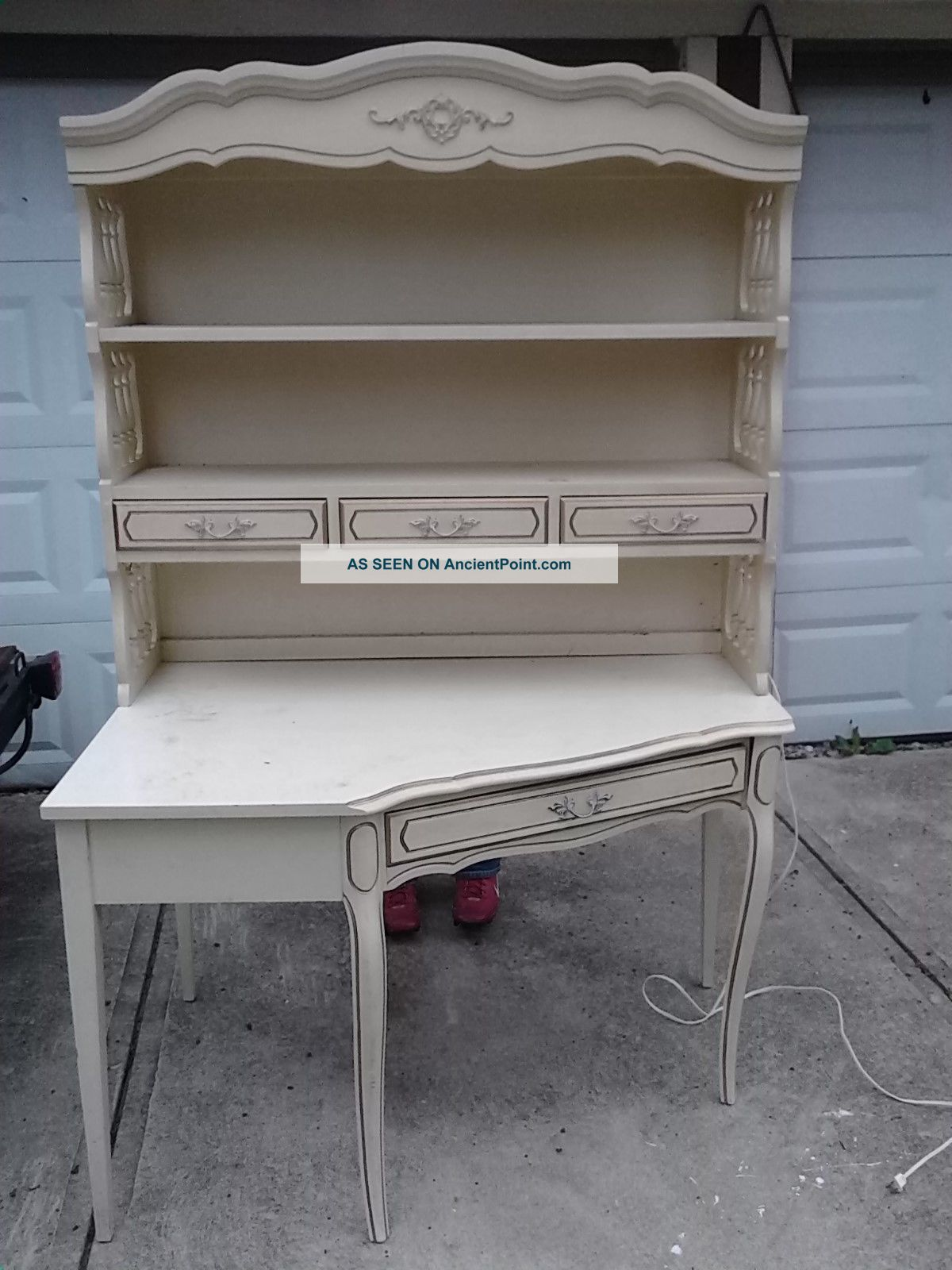 Vintage French Provincial Writing Desk Off White Gold Gild W Hutch Top Lite