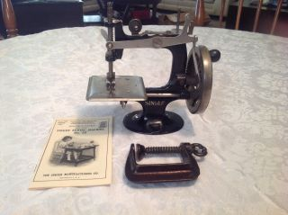 Good Rare Antique Vintage 1914 Singer 20 Toy Sewing Machine Small Child See photo