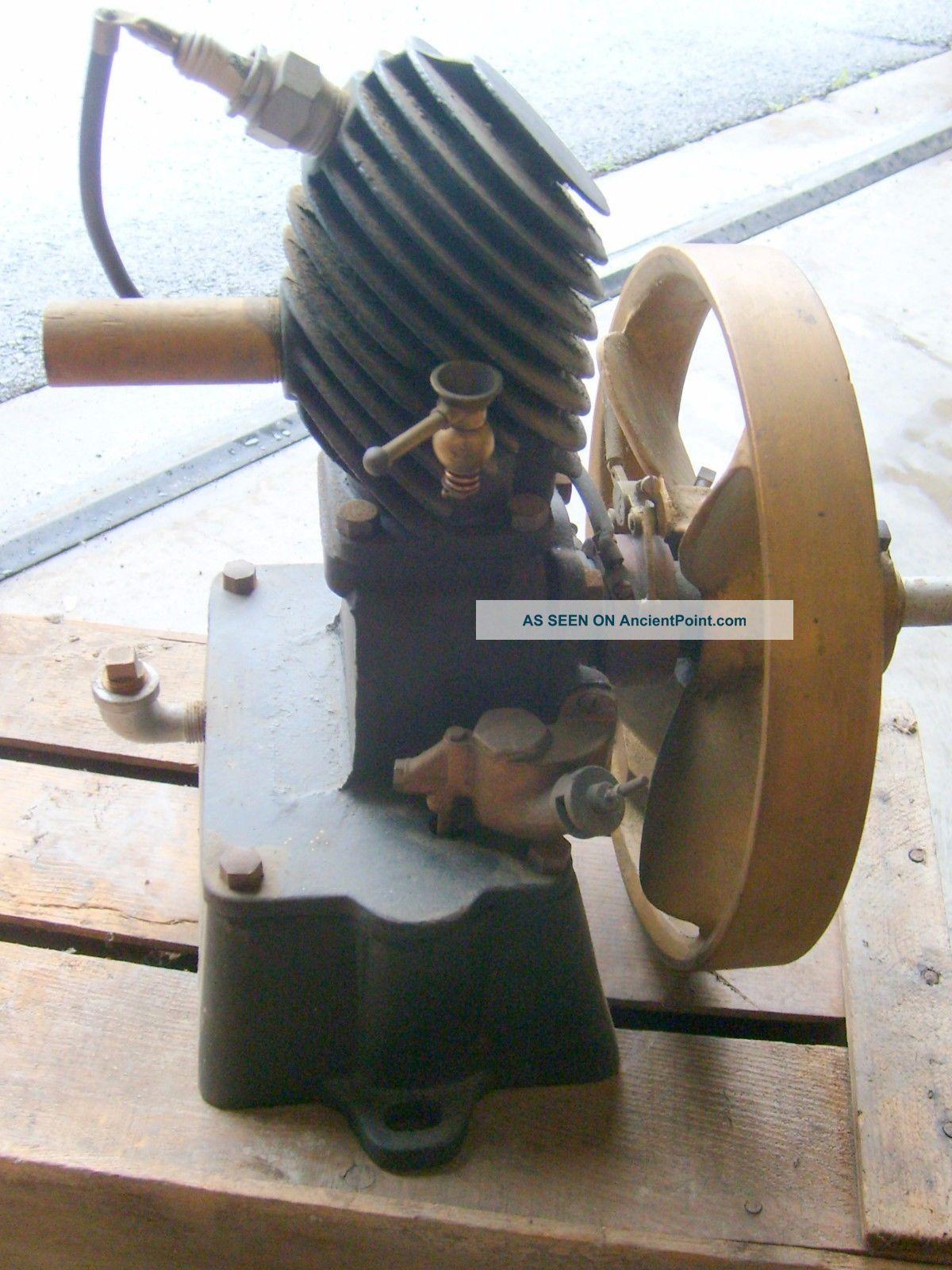 Antique Maytag Multi - Motor 43 Upright Washing Machine Gas Engine Washing Machines photo