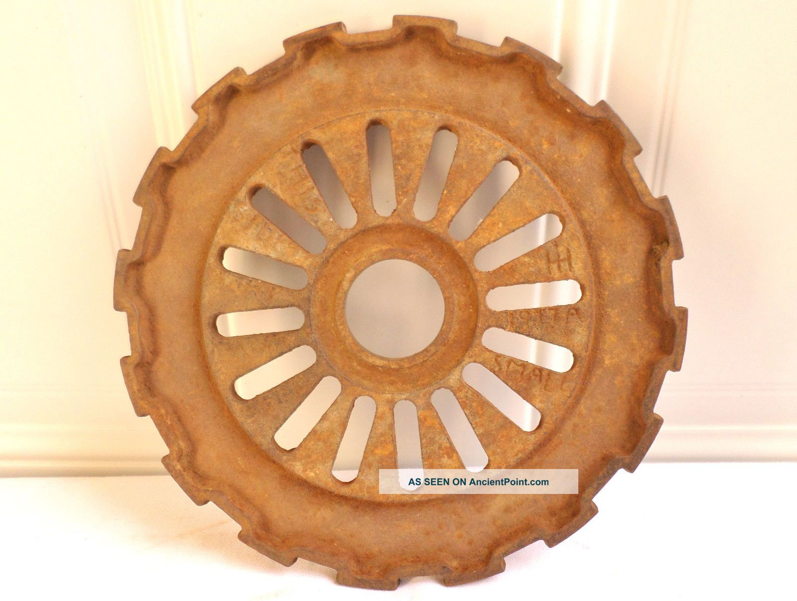 Antique Vintage Metal International Harvester 1977a Planter Plate Gear Farm Art Other photo