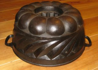 Very Rare Old Antique Cast Iron Bundt Pan Germany 3293 G Marked photo