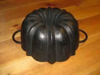 Very Old And Top Antique Cast Iron Bundt Pan Germany 3210 G photo