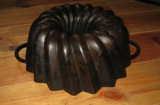 Very Old And Big Antique Cast Iron Bundt Pan Germany 3850 G photo