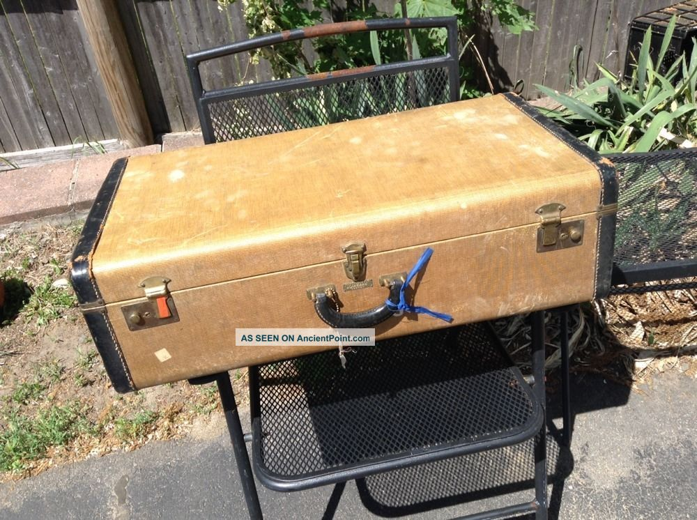 Antique Winship Luggage Boston Mass Canvas & Leather Suitcase Trunk With Old Key 1900-1950 photo