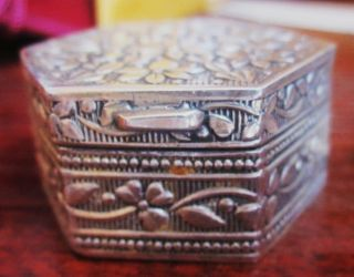 Desirable 800 Silver Keepsake/pill Floral Design Box,  Absolutely Lovely & Sturdy photo