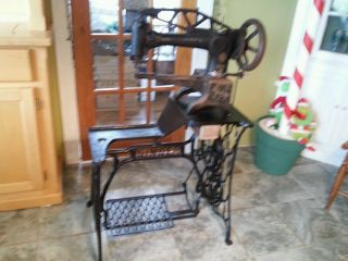 Antique Singer 29 - 4 Treadle Sewing Machine & Base Cobbler Leather 1900s Old Yarn photo