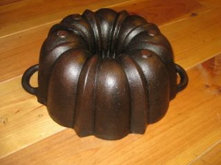 Very Old And Antique Cast Iron Bundt Pan Massive Heavy Quality Germany 3318 G photo