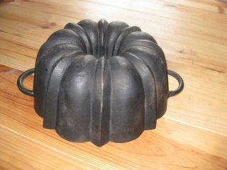 Very Old And Big Antique Cast Iron Bundt Pan Germany 3440 G photo