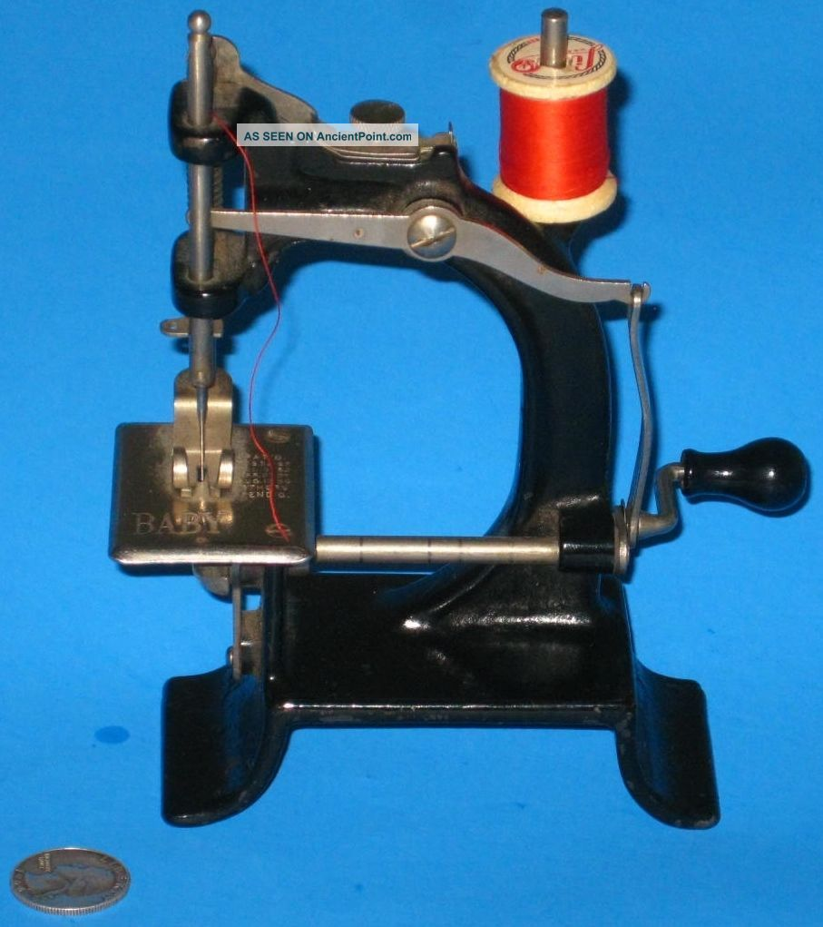 Victorian Baby Antique Sewing Machine Tiny Cast Metal Rare 1895 Crank A, Sewing Machines photo