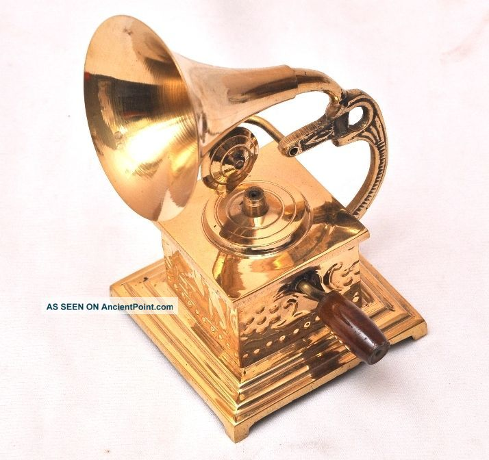 Gorgeous Vintage Style Brass Showpiece Gramophone - Home Decor - Ci08 Other Maritime Antiques photo
