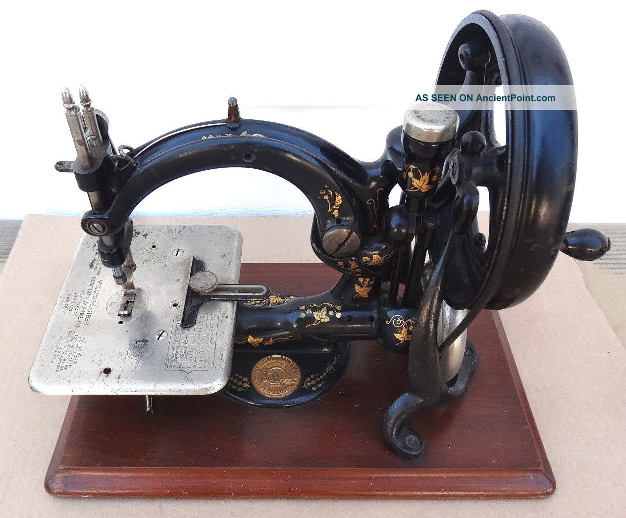 Antique Willcox Gibbs Sewing Machine Hand Cranked Cast Iron Treadle Portable Sewing Machines photo