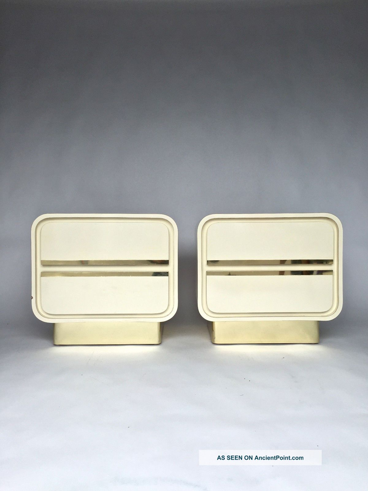 Pair Vintage White Ivory Lacquered Brass Plinth Nighsttands Milo Baughman Style Post-1950 photo