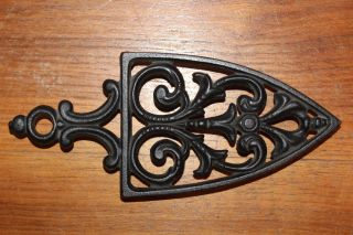 Vintage Griswold Cast Iron Trivet No.  1725 Decorative Flat / Sad Iron Design photo