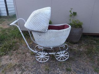 Wonderful Twenties Thirties Antique White Wicker Baby Carriage Buggy Stroller photo
