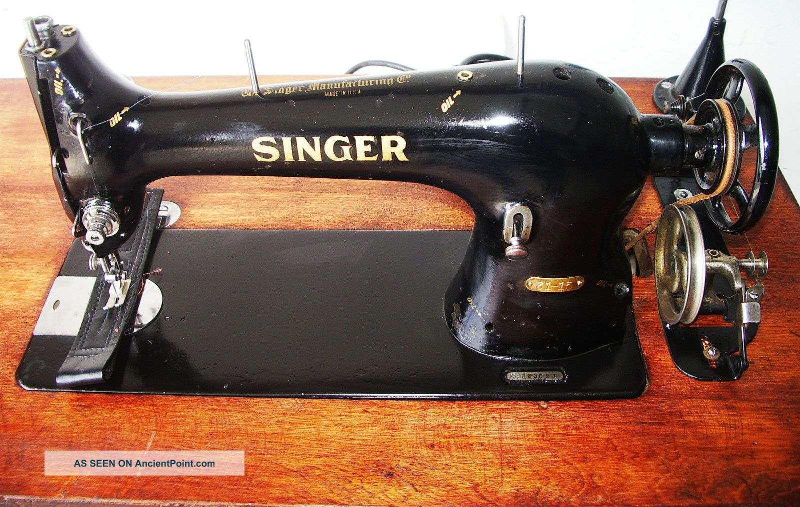 Singer 31 - 15 Industrial Antique Sewing Machine C.  1899,  Cast Iron Base,  Motor 1922 Sewing Machines photo