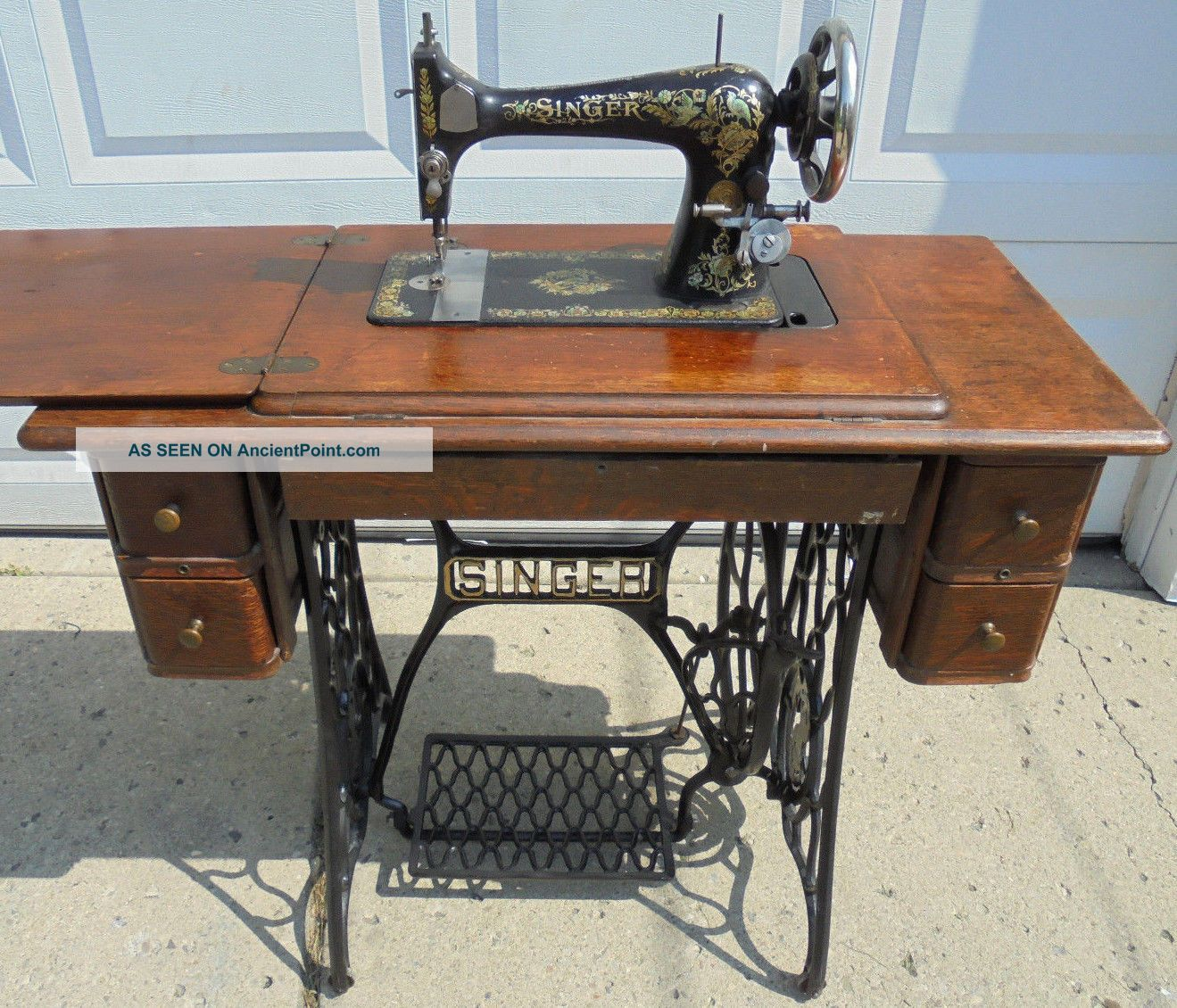 1909 Model 27 Singer Treadle Sewing Machine Industrial Strength W/ Attachments Other Antique Sewing photo