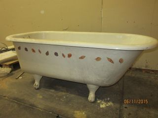 Antique Cast Iron Claw Foot Bath Tub Rare Find
