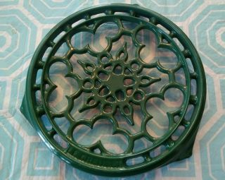 Le Creuset Enameled Cast - Iron 9 Inch Deluxe Round Trivet,  Green photo