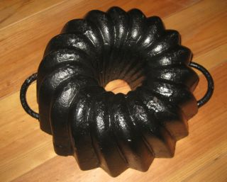 Big Antique Cast Iron Bundt Pan From Germany,  Good 3700 G photo