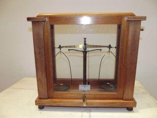Balance Pharmacy Watchmaker Trebuchet Instrument Laboratory Medecin Measurement photo