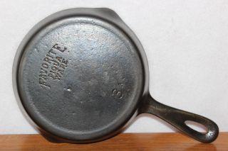Vintage 1916 - 1934 Favorite Piqua Ware Size No.  3 Skillet Cast Iron Frying Pan photo
