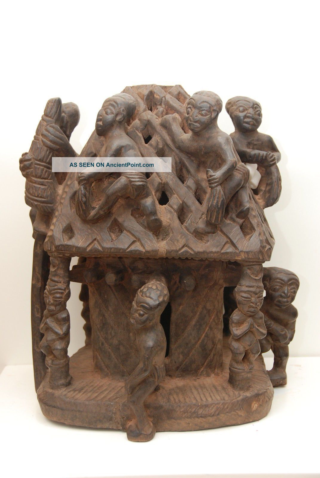 Cameroon: Tribal Very Expressive Large African Altar From The Bamun. Sculptures & Statues photo