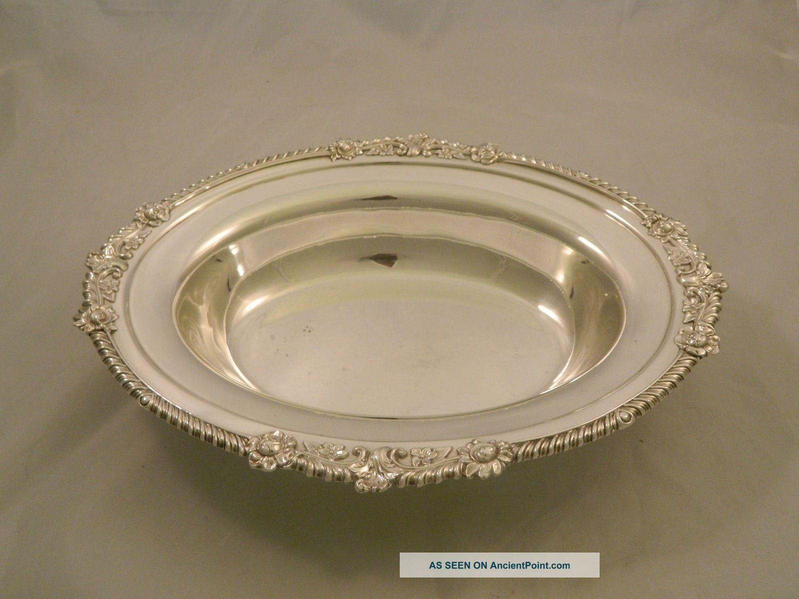 Vintage Oval Serving Fruit Salad Dish Ornate Border Decoration Size 14 X 10.  5