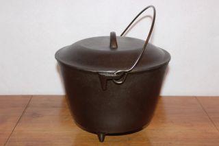Vintage Size 7 Cast Iron 3 Legged 4 Quart Kettle & Cover Lid photo