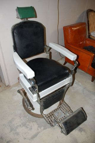 Koken ' S Barber Chair 1920 ' S,  St Louis. photo