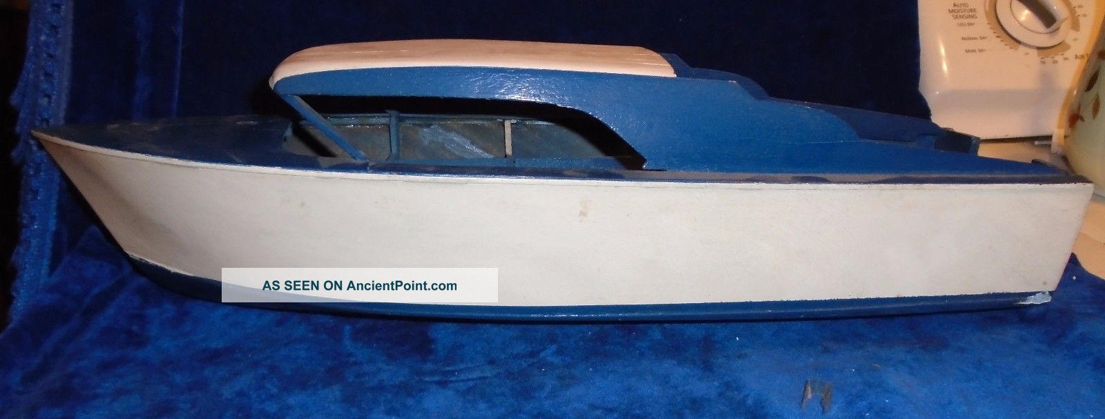 Vintage 1950 ' S Wood Cabin Cruiser Boat,  22 Inches Long Model Ships photo