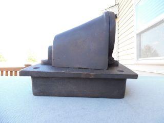Mounted Cast Broze Mast Light Fixture photo