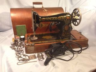 Antique 1919 Singer Sewing Machine - Model 99 - 13 W/ Case And photo
