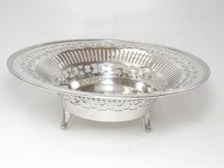 Quality Goldsmiths & Silversmiths Solid Silver Dish - London 1917 photo