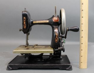 Antique Patd 1911,  Lttle Worker,  Home,  Cast Iron Sewing Machine,  Nr photo