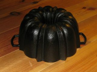 Very Old Antique Cast Iron Bundt Pan,  Germany,  3584 G photo