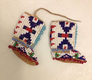 Old Native American Miniature Hand Beaded Leather Moccasins Boots 30s - 50s photo
