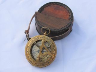 Solid Brass Antique Pocket Sundial Compass Whit Leather Case Good Item photo