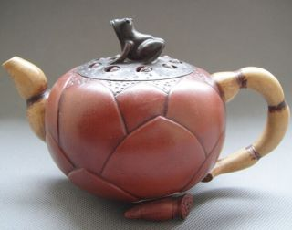 Old Pottery Good Craftsmanship Chinese Yixing Zisha Teapot - Frogs And Lotus Root photo