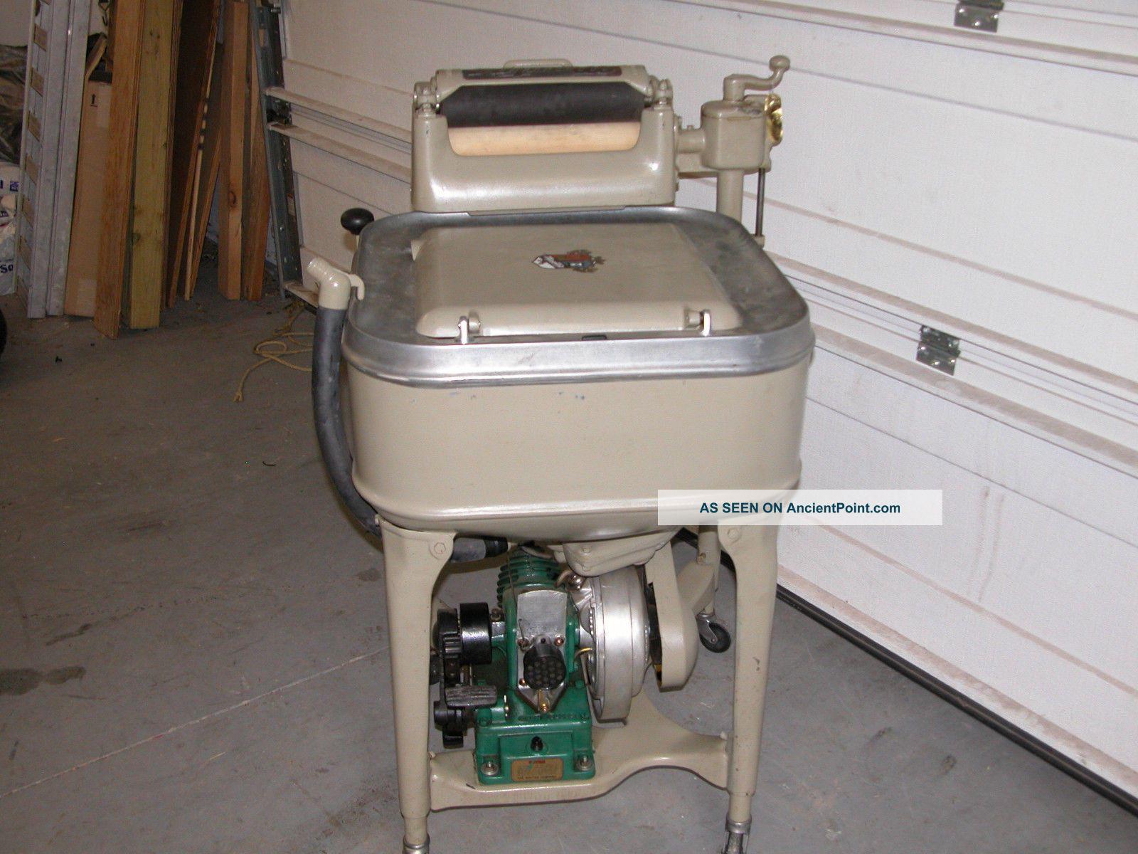 1934 Maytag Gas Engine Wringer Washing Machine Model 31 Square Tub Great Washing Machines photo