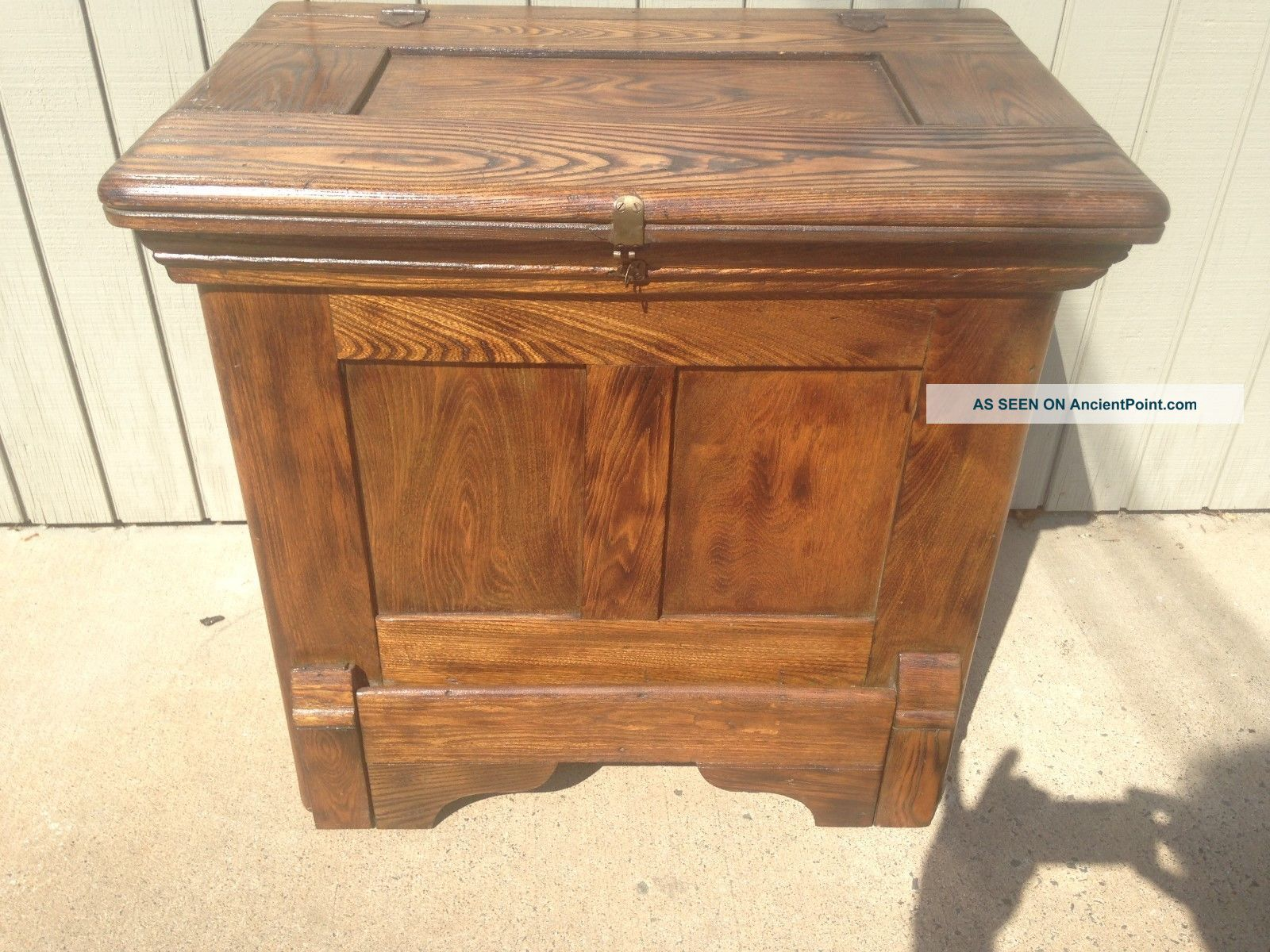 Antique Oak Ice Box / Ice Cooler Very Can Be 26 W 17d 24.  5 H Ice Boxes photo