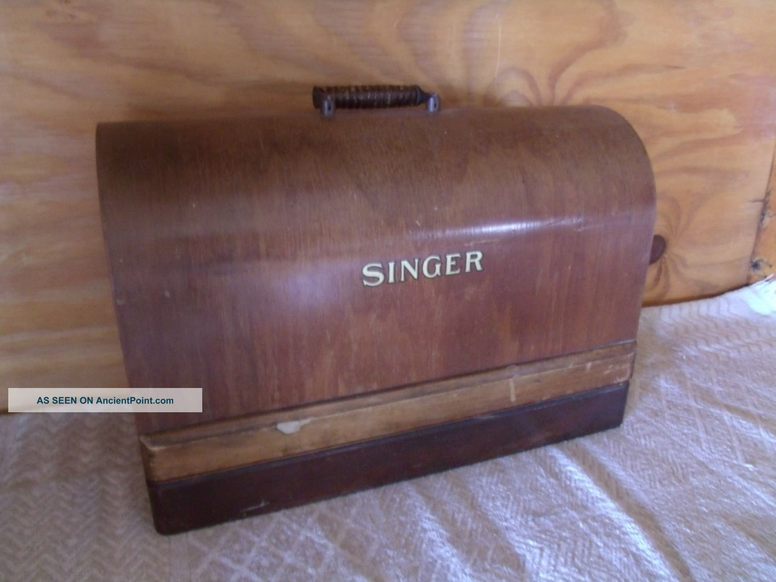 Vintage 1906 Singer Sewing Machine Bentwood Case Sewing Machines photo