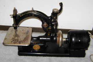 Antique Willcox & Gibbs Sewing Machine - Table Top - Vintage Black photo