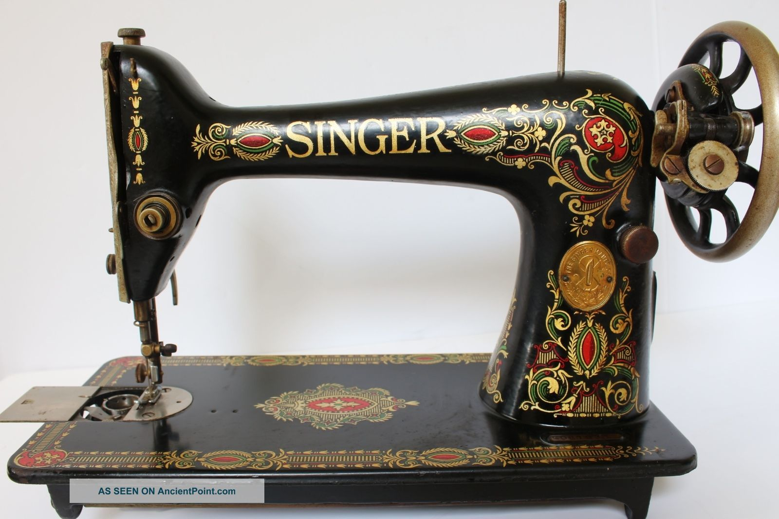 Vtg Antique 1924 Red Eye Singer Treadle Sewing Machine Model 66 G0813331 Sewing Machines photo