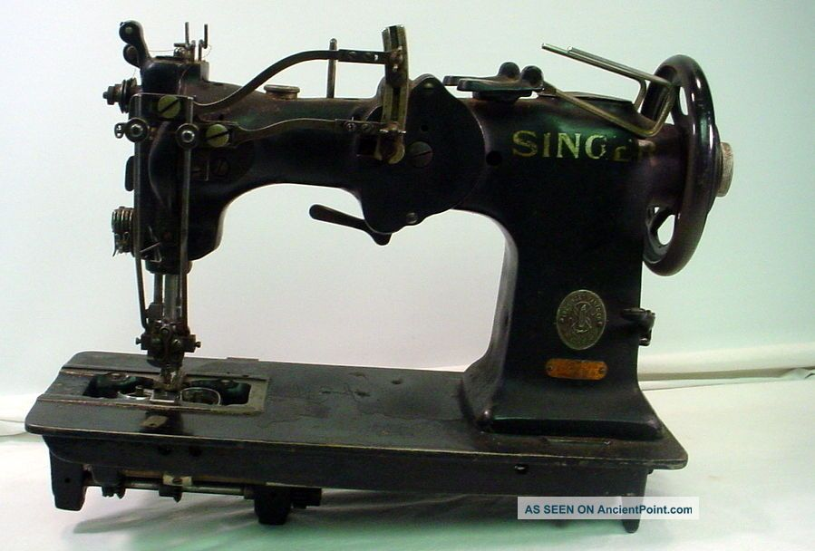 Vintage Singer 72w12 Hemstitch Sewing Machine Serial W402062 Sewing Machines photo