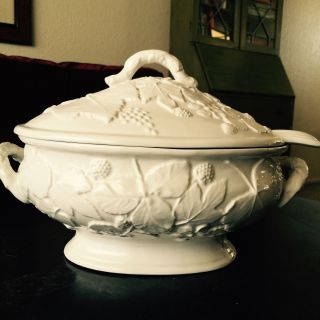 White Soup Tureen Made In Italy photo