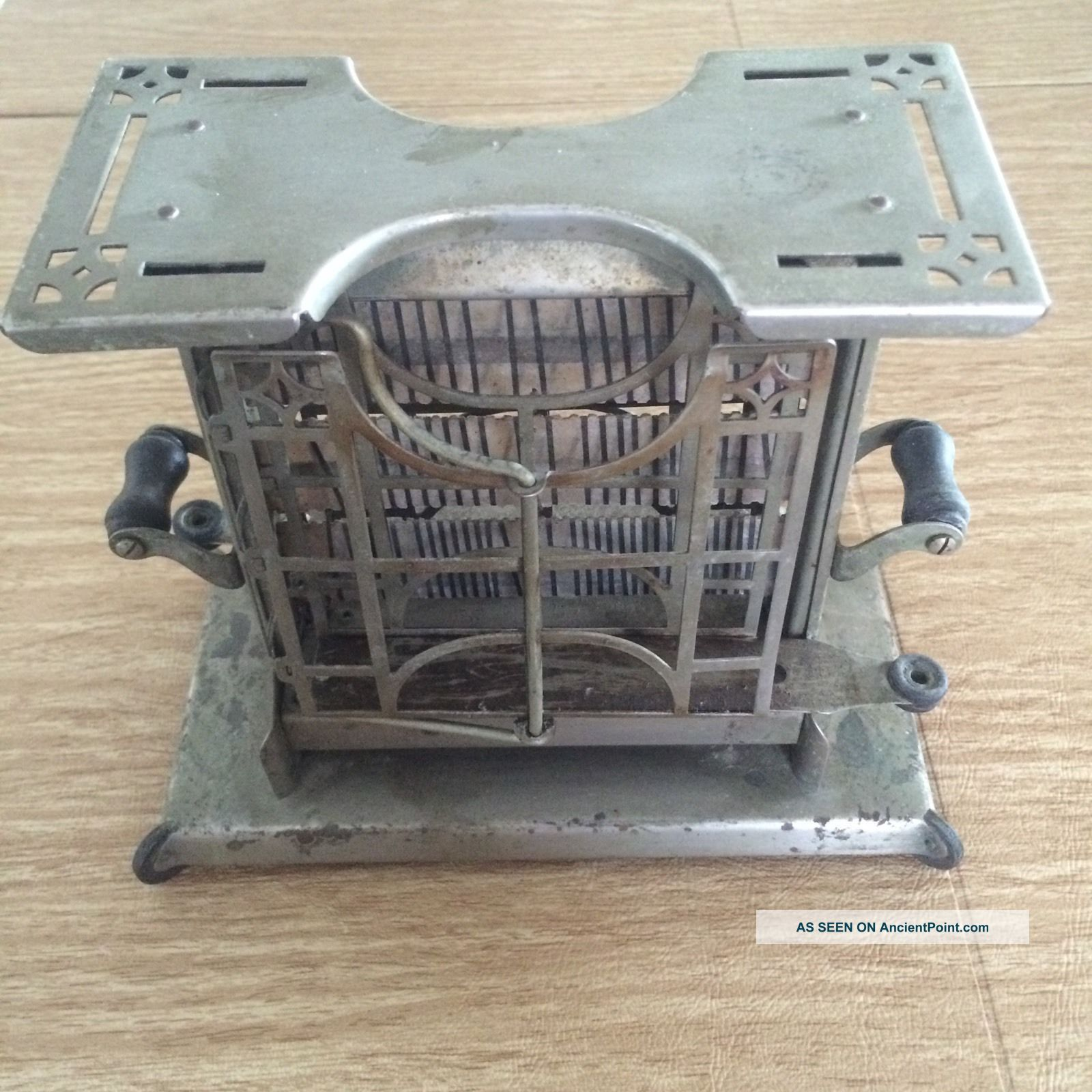 Antique 1920s Toaster Landers Frary & Clark Universal Vintage Toaster Toasters photo