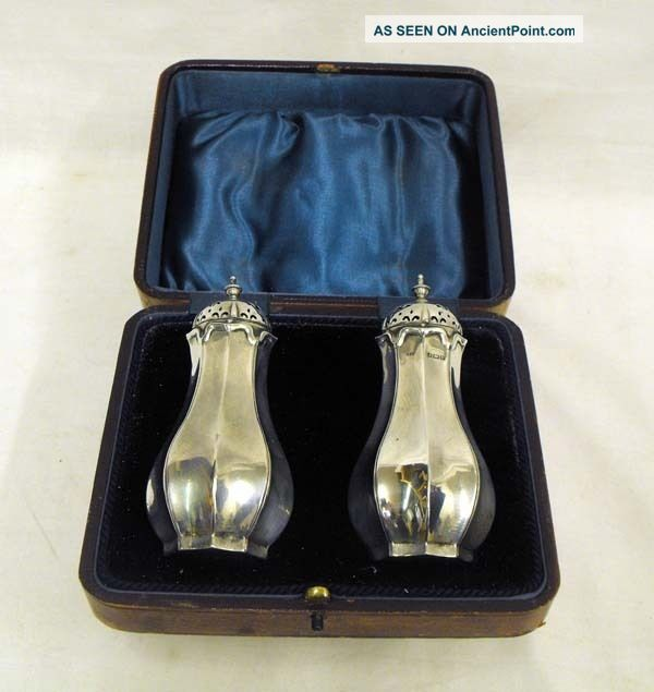 Stunning Boxed Pair Edwardian Solid Silver Pepper Pots Salt & Pepper Shakers photo