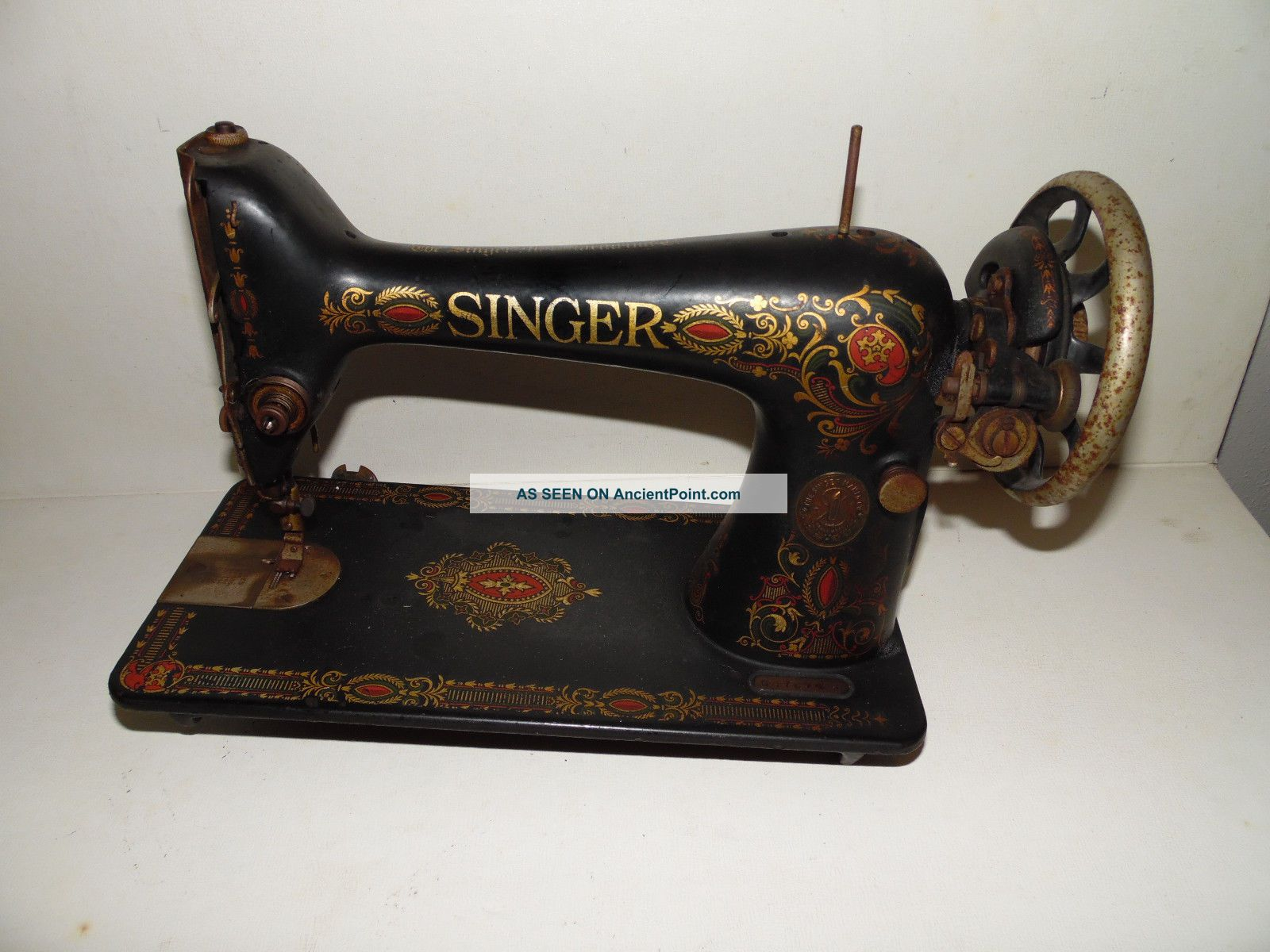 Antique Singer Red Eye Sewing Machine 1916 Treadle Model 66 Serial G4789425 Sewing Machines photo