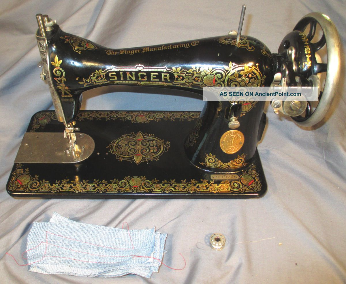 Shiny Serviced Antique 1926 Singer 15 - 30 Treadle Sewing Machine See Video Sewing Machines photo