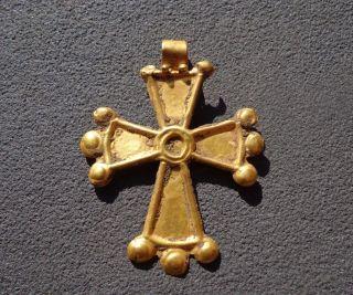 Gold Byzantine Cross Pendant.  Circa 8 - 11 C.  Ad photo